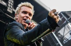 Billy Idol: Can't break me down - piesa noua (audio)