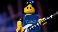 Omuletii LEGO s-au apucat de cantat Maiden (video)