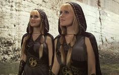 The Bard's Song: De la Blind Guardian, la Harp Twins (video)