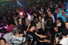 Ai sub 16 ani? E posibil sa nu mai ai voie neinsotit in cluburi, pub-uri, baruri sau discoteci