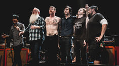 Eagles of Death Metal nu mai pot canta la festivalurile din Franta