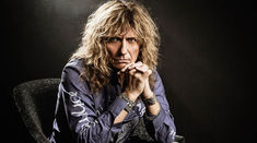 La multi ani, Mr. Coverdale!