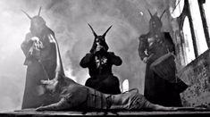 Behemoth au starnit reactii controversate cu o simpla poza