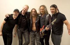 James Hetfield si-a dat tricoul jos pentru Iggy Pop