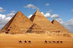 Red Hot Chili Peppers vor transmite live concertul de la Piramidele din Giza