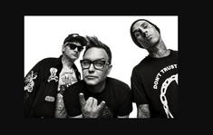 Blink-182 a lansat o piesa noua, 'Blame It On My Youth'