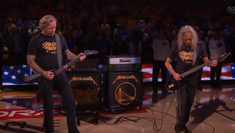 James Hetfield si Kirk Hammett au interpretat imnul Statelor Unite - video