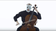 Cum suna 'The Devil In I' de la Slipknot la violoncel
