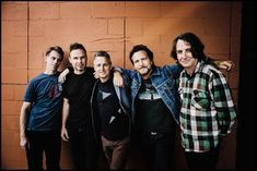 Pearl Jam a lansat o piesa noua, 'Dance Of The Clairvoyants'