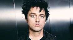 Billie Joe Armstrong a lansat piesa I Think We're Alone Now
