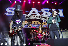 Slash va scoate un nou album alaturi de Myles Kennedy and The Conspirators