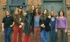 Lynyrd Skynyrd au lansat un clip live din 1976 pentru 'Gimme Three Steps'