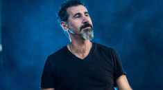 Serj Tankian a lansat un nou single insotit de clip, 'Your Mom'