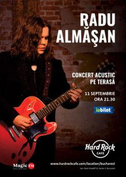 Radu Almasan in concert acustic pe terasa Hard Rock Cafe
