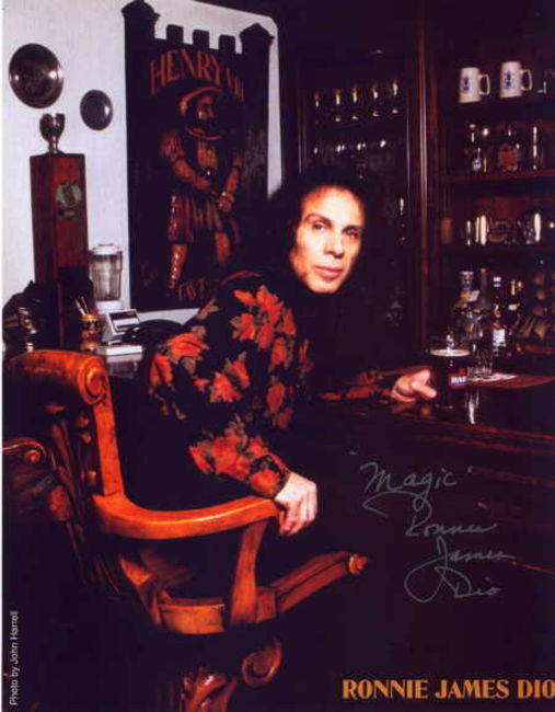 Poze Poze Dio - dio signs autographs