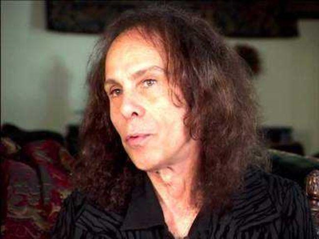 Poze Poze Dio - Mr Dio at home