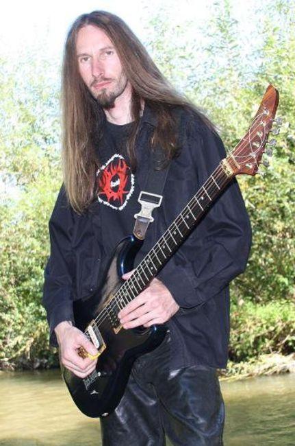 Poze Dark Aevum poze - Mihai guitar