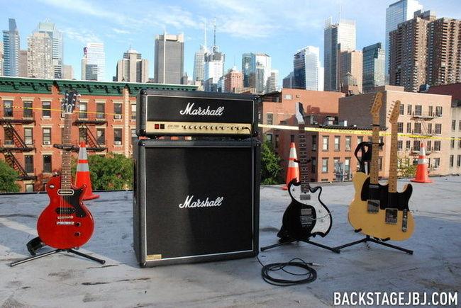 Poze Poze Bon Jovi - guitars
