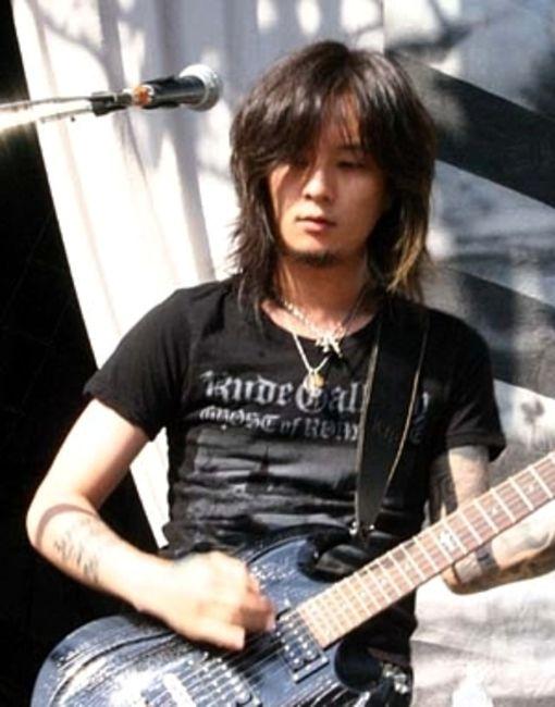 Poze Poze Dir En Grey - Kaoru (guitar)