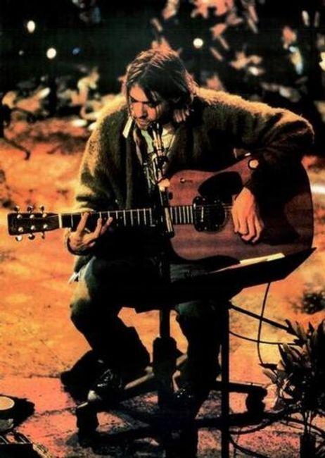 Poze Poze Kurt Cobain - Kurt in Unplugged