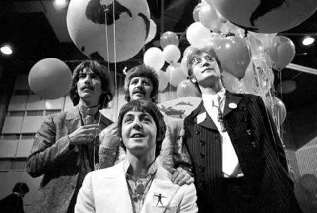 Poze Cele mai tari poze cu artisti din anii '60 - The Beatles in 1967