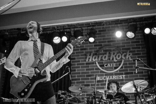 Poze Concert Paul Gilbert la Hard Rock Cafe din Bucuresti (User Foto) - Paul Gilbert