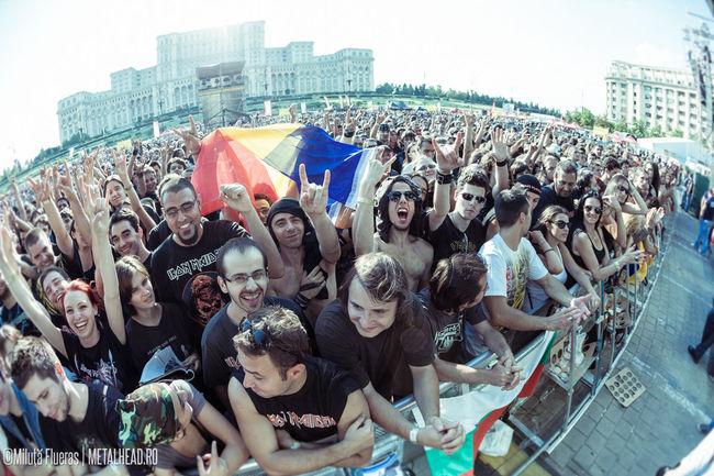 Poze Poze public concert Iron Maiden in Piata Constitutiei - Public Iron Maiden