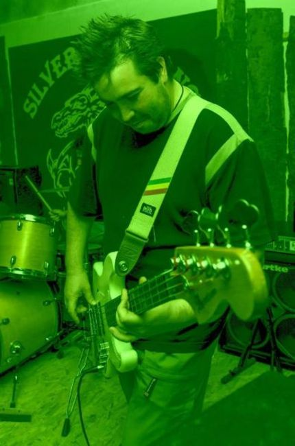 Poze Feelgood Inc. poze - czomby - bass