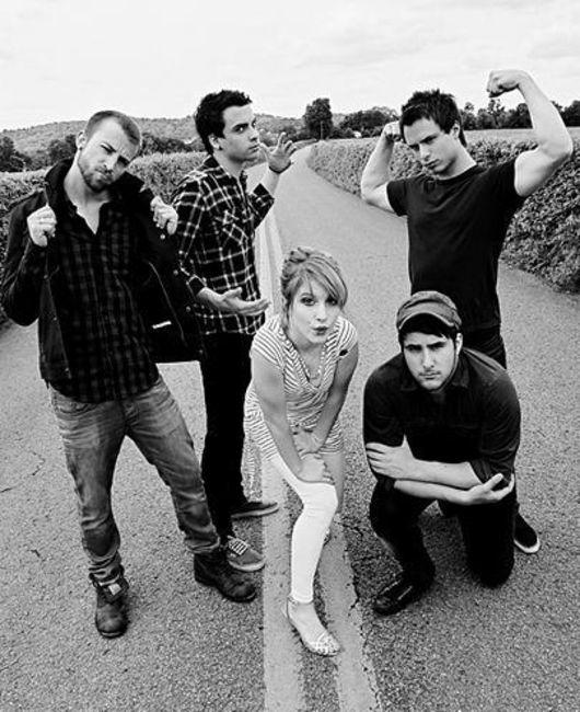 Poze Poze Paramore - Paramore