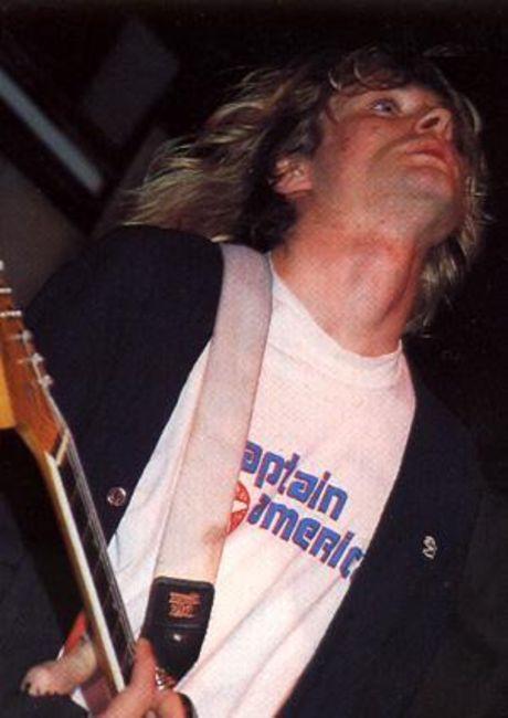 Poze Poze Nirvana - kurt captain america