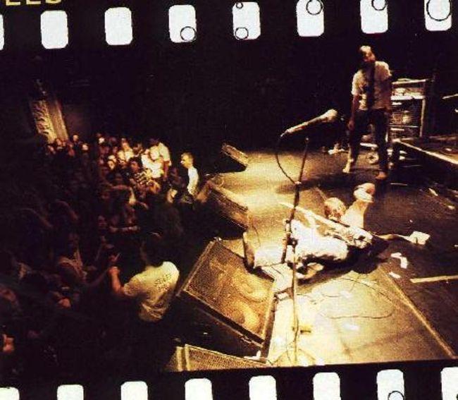 Poze Poze Nirvana - collapsed