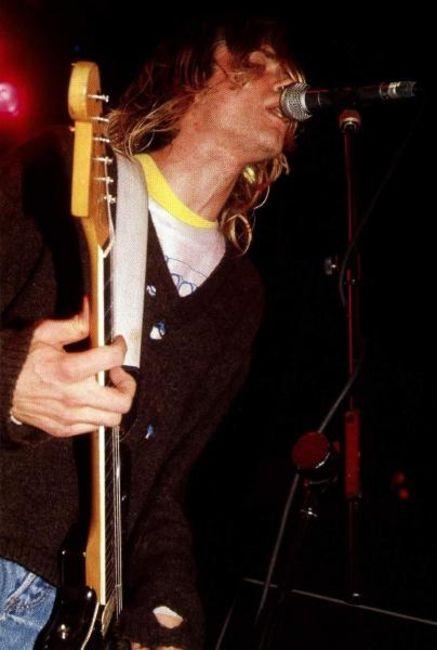 Poze Poze Nirvana - microphone, yummy