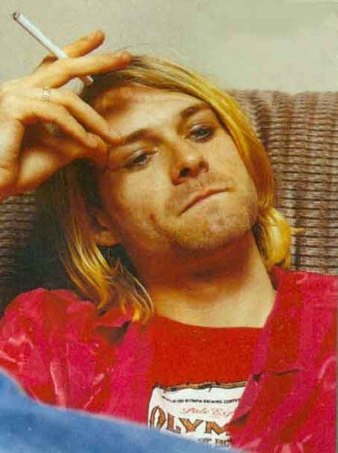 Poze Poze Kurt Cobain - Kurt pensif