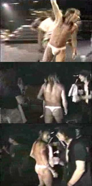 Poze Poze Guns N Roses - Axl naked.