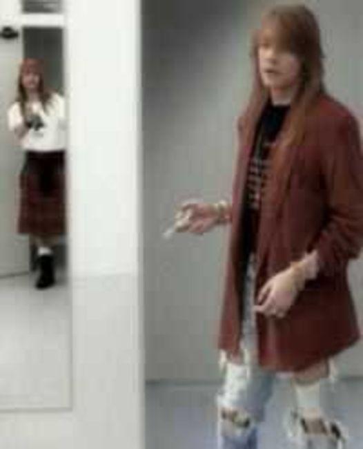 Poze Poze Guns N Roses - Axl in Don`t cry