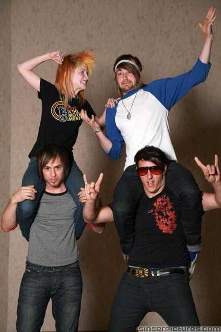Poze Poze Paramore - paramore 2009