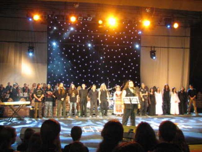 Poze Poze Trooper (Ro) - Actorii si orchestra