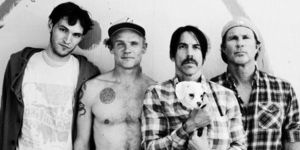 Red Hot Chili Peppers au lansat piesa 'The Getaway'