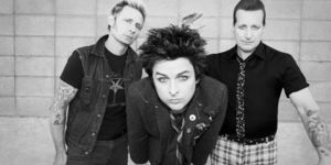 Green Day au lansat un lyric video pentru piesa 'Ordinary World'