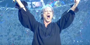 Iron Maiden au lansat un clip live pentru 'Run To The Hills'