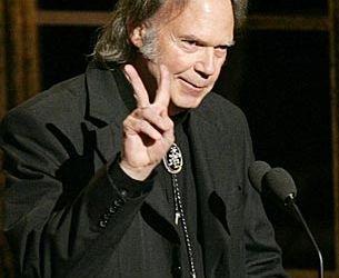 Neil Young lanseaza un nou album