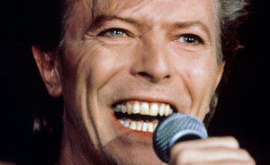 David Bowie lanseaza o carte noua