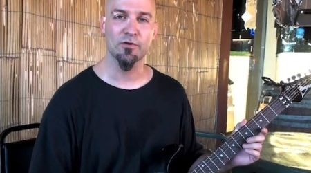 Deicide ofera lectii de chitara