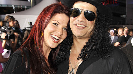 Slash s-a impacat cu sotia sa (video)