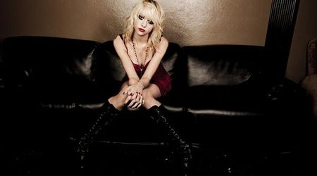 Solista The Pretty Reckless da vina pe parinti