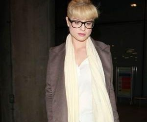 Kelly Osbourne a fost inselata cu un transsexual