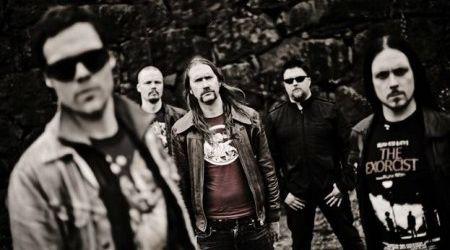 The Crown au lansat un nou videoclip: Doomsday King