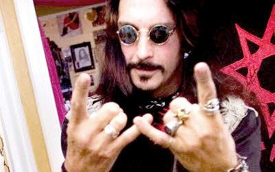 Muzica heavy metal este transformata in dependenta