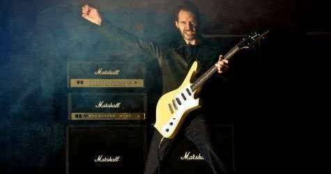 Paul Gilbert va da lectii de chitara online in Rock Guitar School (video)