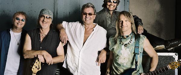 Deep Purple - All The Time in The World (videoclip cu versuri)